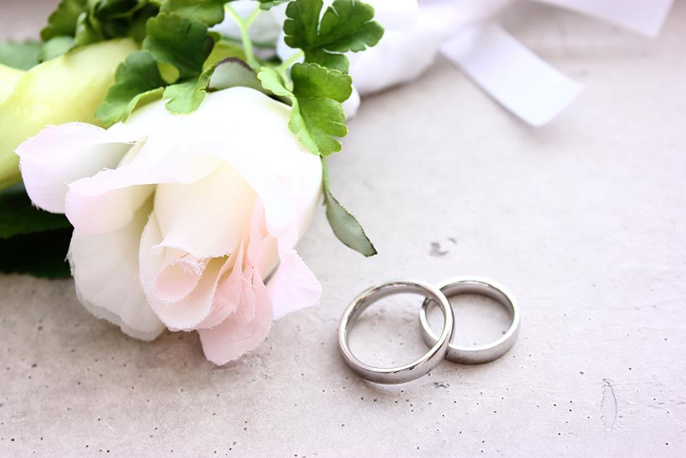 結婚記念日風カップル