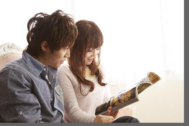 大学生の彼氏と彼女のような雰囲気