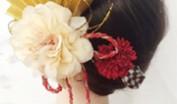 成人式で美しく上品に派手な髪飾りで目立つ方法
