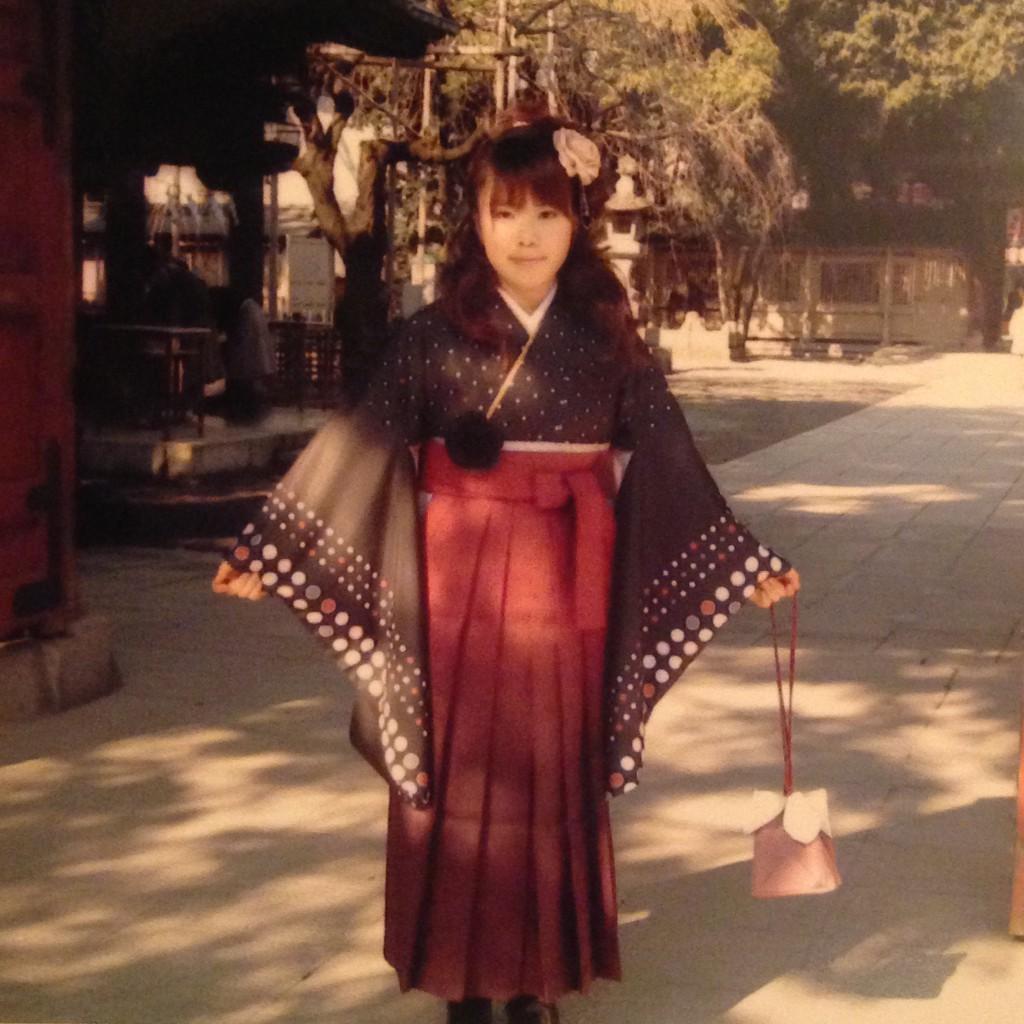 海老茶色の袴画像