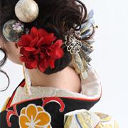 結婚式 派手な髪飾り