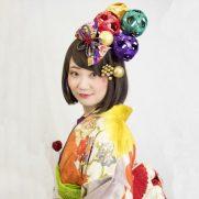 特徴的なモチーフ 商品:和装 髪飾り 成人式 ハイカラ鞠盛り細工飾り