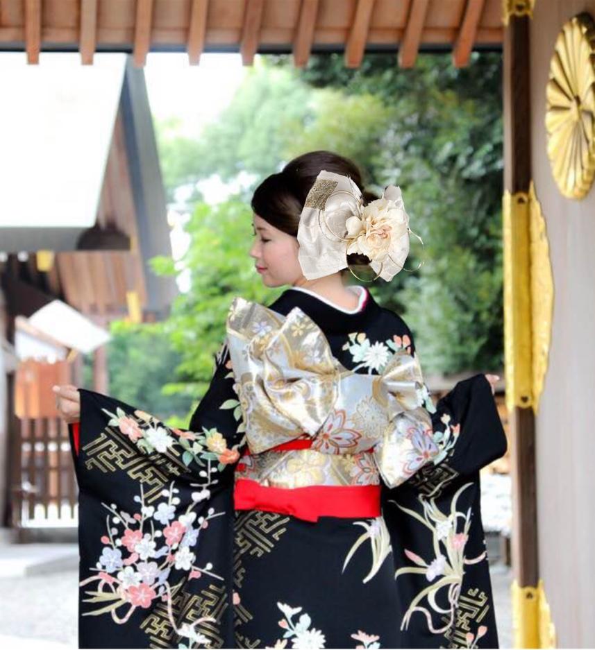花嫁 振袖×白のみの配色の髪飾り